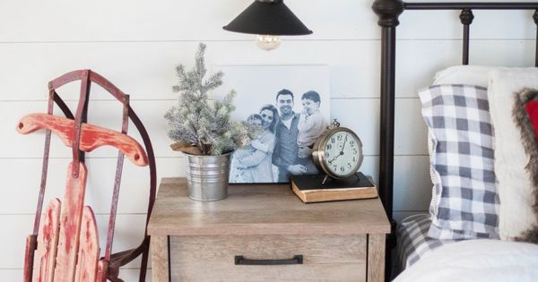 A list of last minute gift ideas available at your local Walmart Photo Center some of which are same-day items! | @Walmart #ad #PicturePerfectGifts || Lauren McBride
