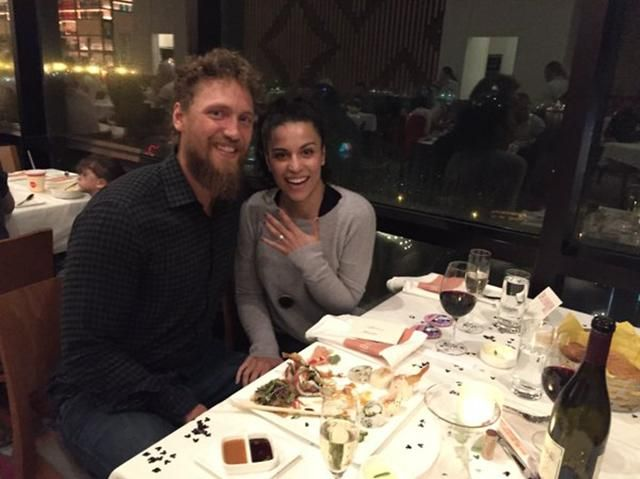 Hunter Pence asked his girlfriend to marry him and she said ... YES YES YES