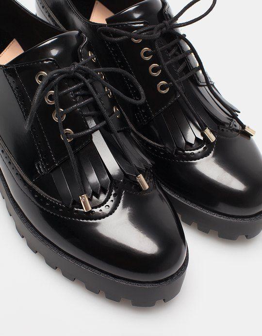 chez stradivarius tu trouveras 1 bluchers franges lacets pour femme pour chaussures. Black Bedroom Furniture Sets. Home Design Ideas