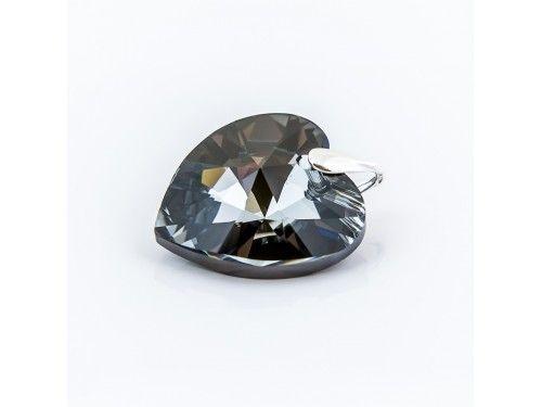 ZAWIESZKA SWAROVSKI 28MM SILVER NIGHT SREBRO 925 - W1165 Materiał: Srebro 925 + kryształ Swarovski Elements Kolor: Silver Night Rozmiar serca: 28mm Wysokość całej zawieszki: 34,0mm Waga srebra: 0,69g ( 1szt ) Waga całej zawieszki: 10.60g ( 1szt)