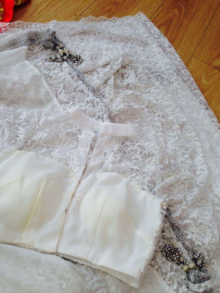 white lace silver elegance saree
