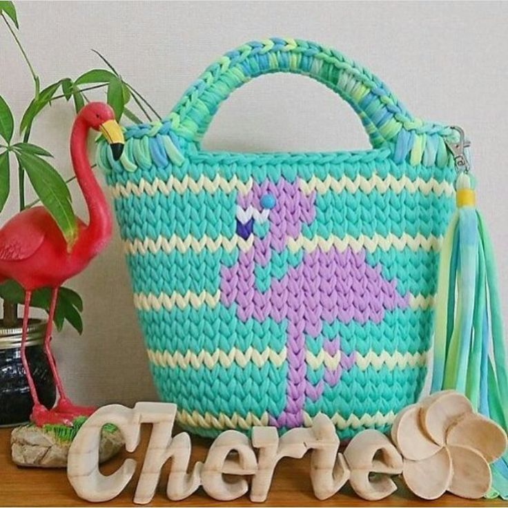 😇😇😇 . . . . . . . #crochet #crocheting #crossstitch #kanavice #crochetblanket #knitting #knittersofinstagram #knitters #örgümodelleri #orgu #dikiş #motif #bag #womenstyle #örgübere #bere #bebekberesi #fashion #handmade #handmadeaccessory #pillow #crochetaddict #kirlent #crochetlove #pinterest #crocheter #crochetaddiction #instacrochet #grannysquare