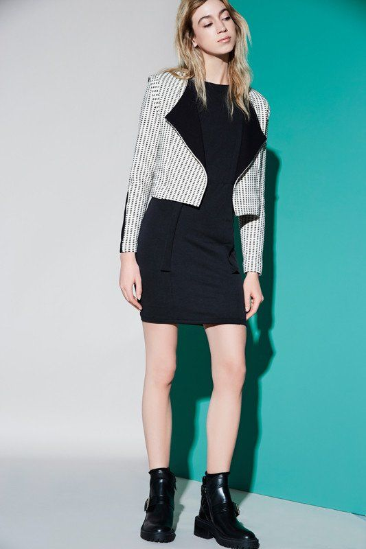 Galaxie Gravel Knitted perfecto style long sleeves jacket.