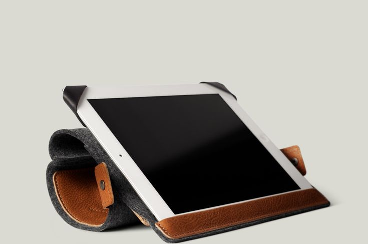 Hard Graft notebook case in leather and felt.