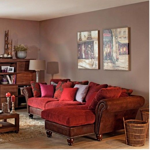 Neutral Wall Color With A Red Undertone Looks Great The Furniture Would Look Too Pink If It Was Paired Green
