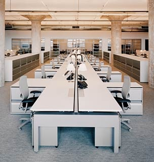 Open office workstations (shared) 4 - AutoStrada AS4 by Knoll