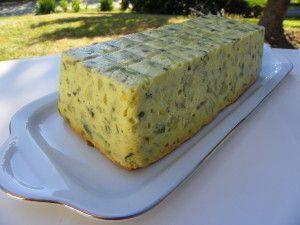 Voici une entrée très rafraîchissante pour vos repas d'été. Ingrédients: · 800 g de courgettes · 1 oignon · 3 c à soupe de basilic et persil frais · 60 g de parmesan râpé · 2 oeufs · 300 ml de lait · 50 g de farine de tamisée · 40 g de beurre · 3 c à...
