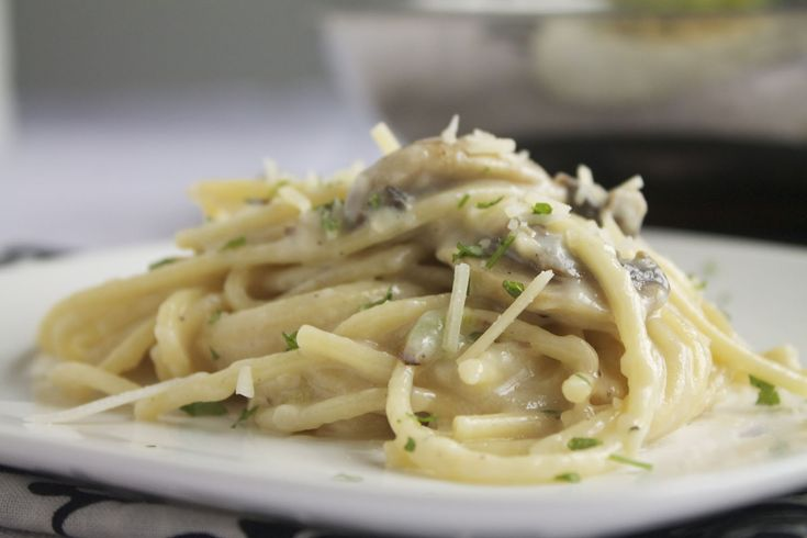 Creamy Mushroom and Garlic Pasta- I added caramelized onions and used tortellini instead. SO GOOD!