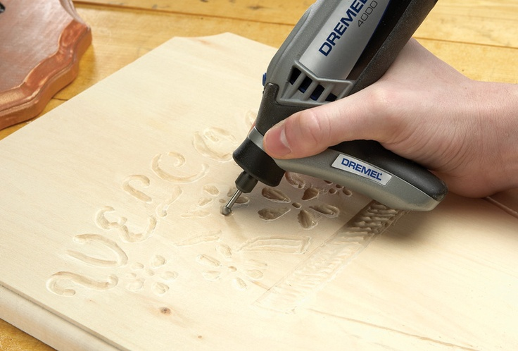 Dremel 4000 - Used with Dremel Engraving Cutter and Detailer's Grip Attachment