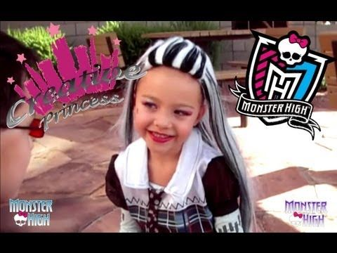 Smyths Toys - Monster High Ghoulicious Make Up Case - YouTube