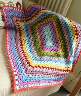 Instructions for a rectangular granny blanket. I've done small versions of this as a baby blanket.  A really big one as a bed coverlet would give a wonderful boho look to a bedroom.