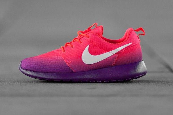 Limited Edition Sneakers Nike Womens Roshe Run Print Laser Crimson White Bright Grape 2014