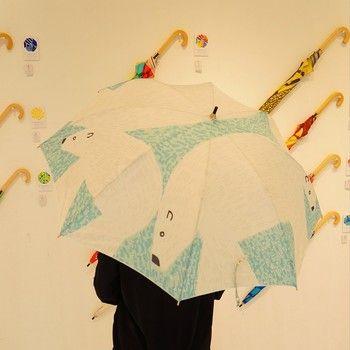このシロクマの傘、過去一番人気だったもの。今回の展覧会限定で復活したそうです。