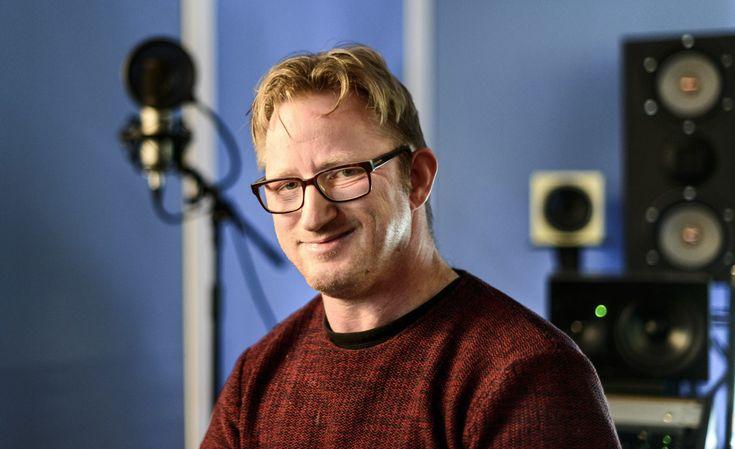 Henning Bortne (41) fikk tidlig beskjed om at det ikke var noen vits i å kaste bort tid og penger på utdannelse, fordi han som funksjonshemmet uansett aldri ville komme i jobb. I dag er han en av landets mest etterspurte lydteknikere.