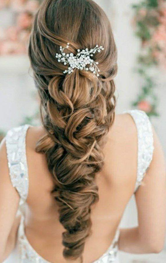 Traumhafte Flechtfrisuren Gretchenzopf Mit Blumen Brautfrisuren Geflochtene Haare Zopf Romantisch Brautfrisur Brautfrisur Geflochten Zopf Lange Haare