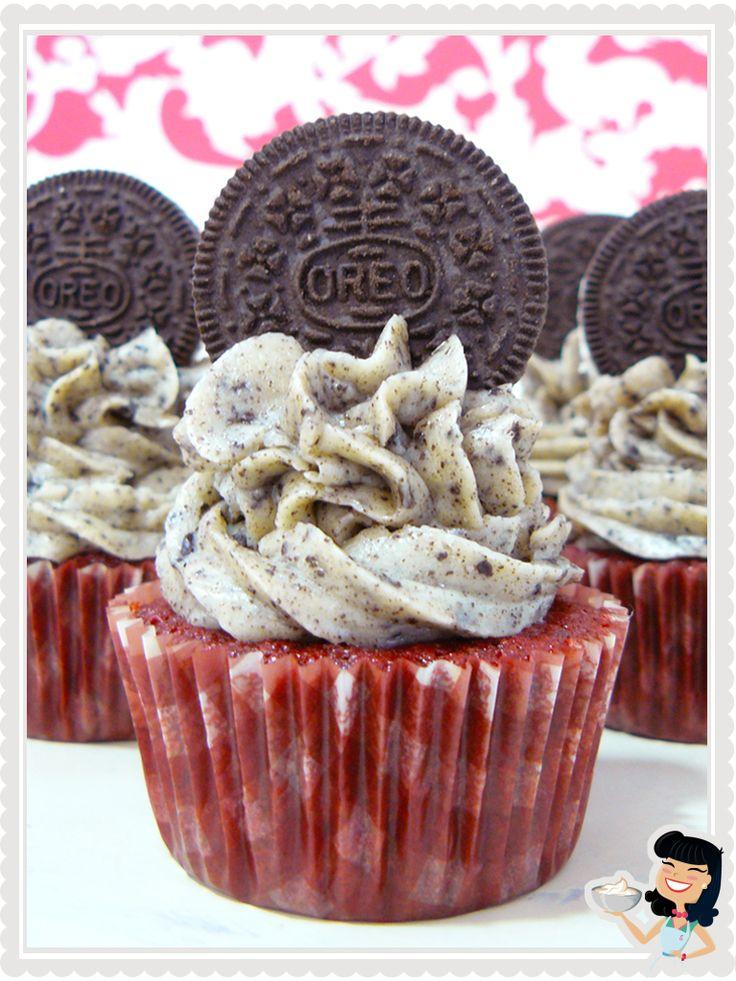 Red Velvet Oreo Cupcakes. Receta en español.