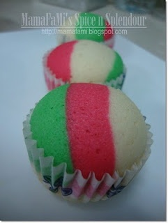How To: Stripes: Mamafami Spices, Neopolitan Cupcakes, Cakes Cupcakes, Cakes Decor, Stripes Cupcakes, February 2011, Cupcakes Stripes, Cupcakes Cak, Christmas Stripes