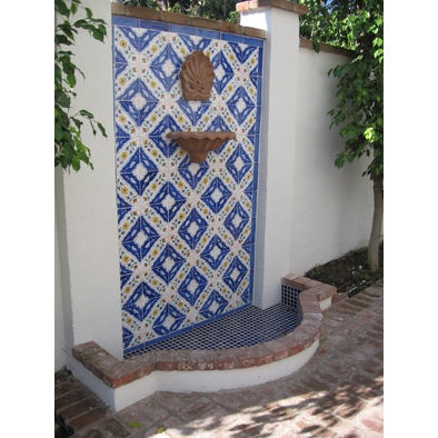 Mediterranean Products SMALL OUTDOOR SPACE
