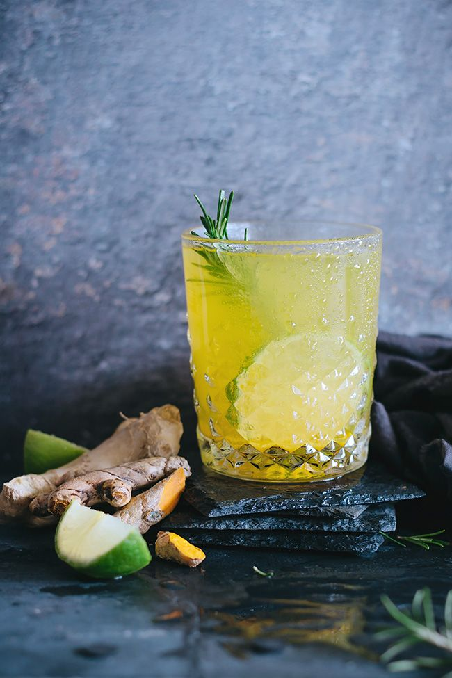 Cozy turmeric lemonade with ginger, lime and herbs #anti-inflammatory #detox | TheAwesomeGreen.com