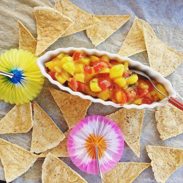 VEGAN - nachos al forno salsa piccante mango sauce