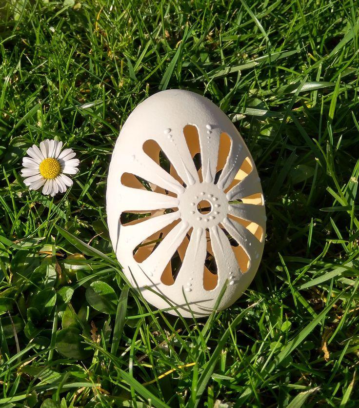Podaruj+jarní+kytičku+v+malovaném+vajíčku+Eggs+art+-+každá+kraslice+je+originál.+Velikonoce+-+dekorace+i+dáreček+:-)+Husí+kraslice,+madeirové+-+děrované,+chemicky+ošetřené.+Velké+asi+7+-9+cm(některé+jsou+velké+i+okolo+10+cm)+Vyrábím+i+různé+jiné+další+krasice,stačí+se+jen+podívat+do+nabídky:-)+dá+se+i+domluvit+a+objednat+si+různé+typy+-+stačí+napsat...