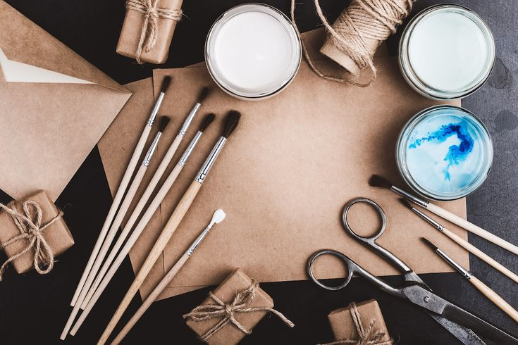 "Your Guide to ""Gift Selling"": 5 Creative Ways to Sell Your Arts and Crafts This Holiday Season. #artbusiness #artcareer"