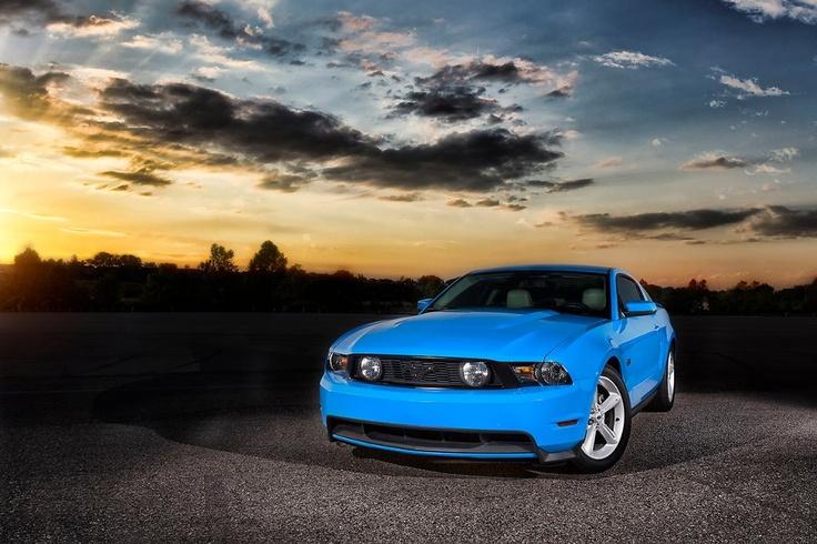 Grabber blue Mustang GT