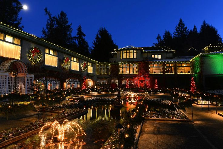 The Italian Garden during the Magic of Christmas. #butchartgardens #FindChristmasHere #victoriaHOHOHO