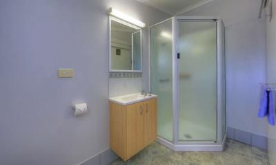 Get ready for a night out in the bathroom of the Kahlers Oasis 2 bedroom unit  #kahlersoasis