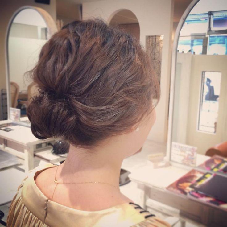today's hair style☆  ギブソンタック風スタイル☆ シンプルスタイルが今っぽい(^^) 早朝からセットとメイクありがとうございました!  #ヘアセット #セット #ヘアアレンジ #アレンジ #アップスタイル #シニヨン  #波ウェーブ #ギブソンタック #ふわふわ #モフモフ #シンプル #結婚式 #ルーズ  #フェミニン #ブライダル #パーティー #二次会 #花嫁 #プレ花嫁 #ドレス #ありがとう #京都 #京都駅前 #t2style #love  #courarir #courarirhair #courarirkyotoekimae #courarirhairkyotoekimae
