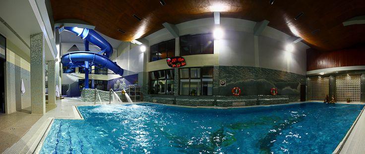 Czy też uważacie, że basen to jest dobre miejsce żeby zabrać ją na pierwszą randkę? ;) http://www.hotelklimek.pl/ #basen #randka #relaks #woda #hotelklimek
