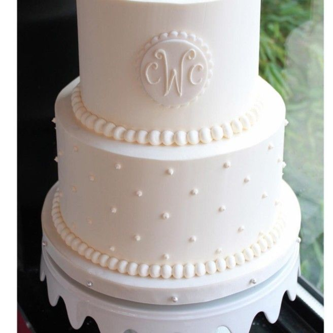 wedding cake with monogram best 25 monogram wedding cakes ideas on 26927