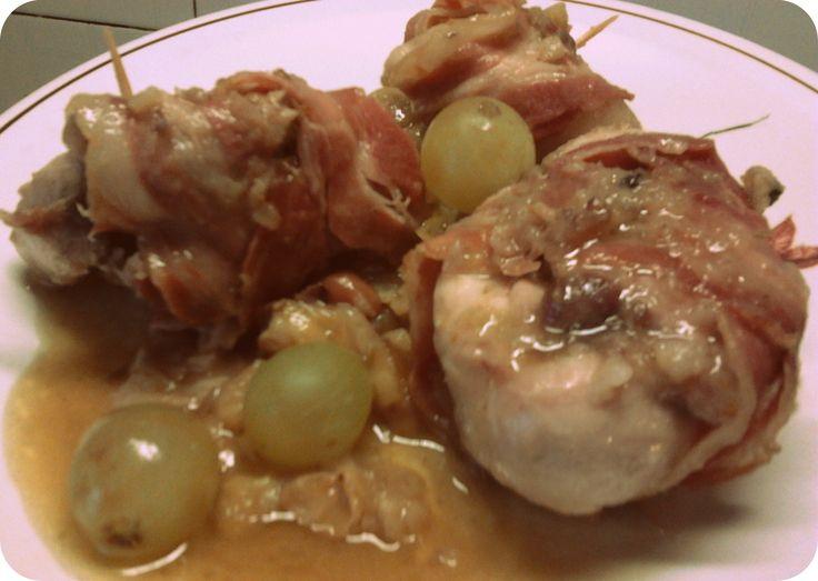 Coniglio porchettato con uva e castagne
