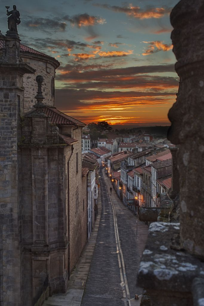 Santiago de Compostela: Calle de las Huertas, junto a la Iglesia de San Fructuoso.