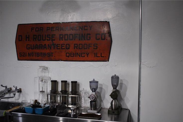 病院がカフェに⁈ インダストリアルなリノベーションカフェ『Earle Coffee Shop』