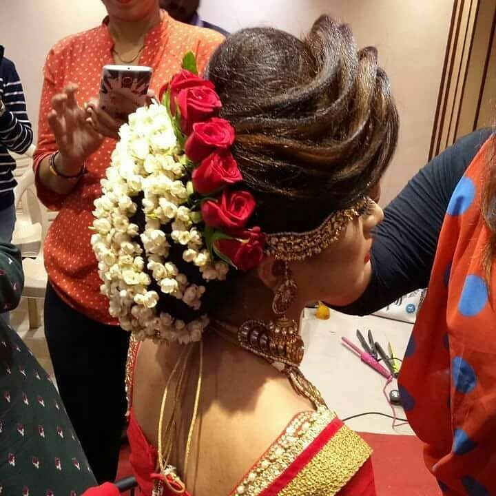 Pinterest Snehanair Hair Designs Indian Bridal Hairstyles Bridal Hairdo
