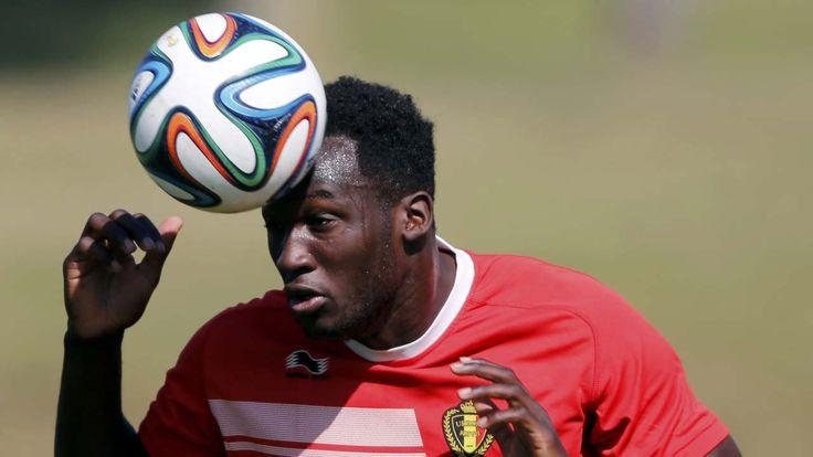 PEGADA. El jugador de la seleccion de Belgica Romelu Lukaku durante el entrenamiento. (REUTERS/Paulo Whitaker)