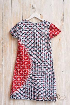 Bahan : Batik Cap Garutanlingkardada : 88 cm (M)lingkarpinggang : Loose dresspanjang : 96 cmFuring Tricod Linning
