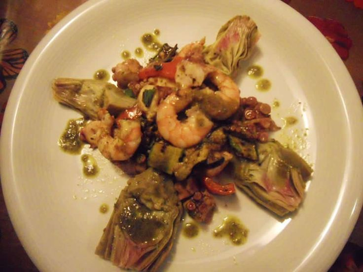 Insalata di mare con carciofi e verdure grigliate ricetta e foto