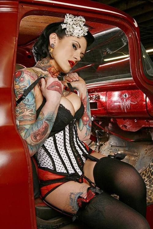 Sexy pin up with tattoos inspiration photoshoot pinterest - Tattooed pin up models ...