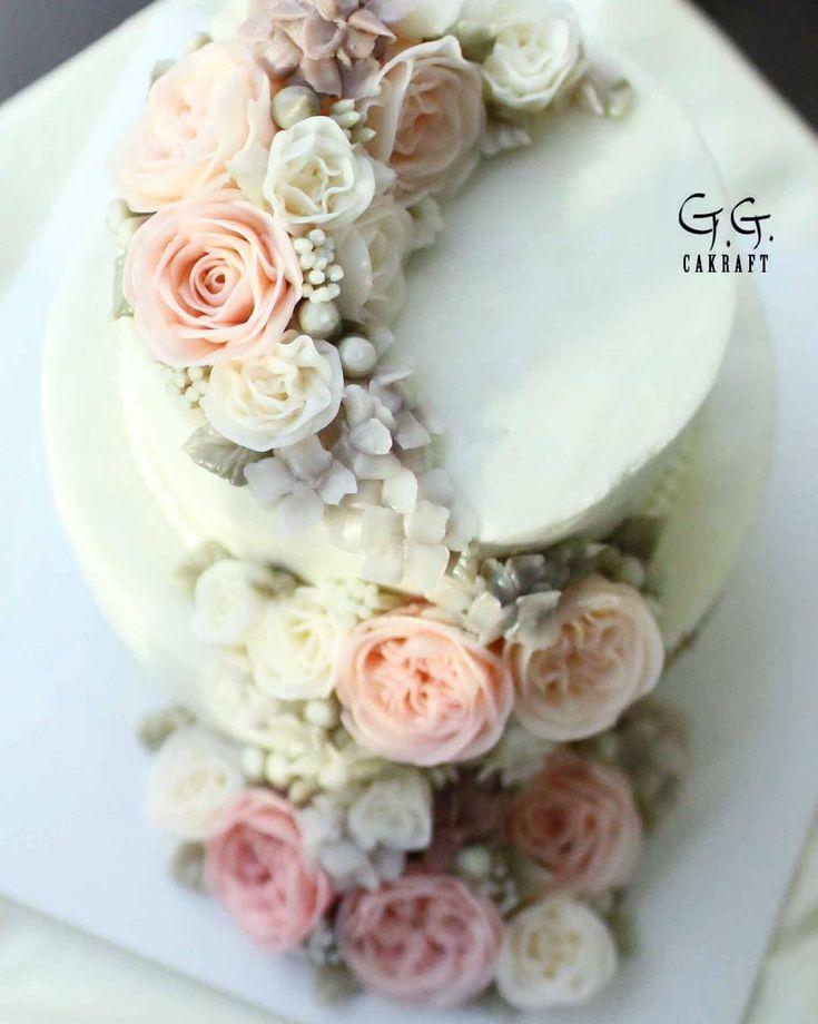 buttercream flowercake. G.G.CAKRAFT