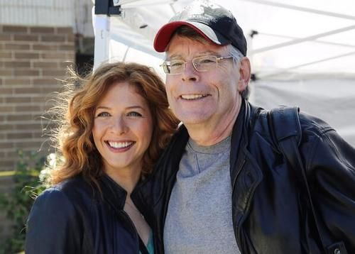Stephen King and Rachelle Lefevre on the set of Under the Dome https://opinionevent.wordpress.com/2014/01/18/sotto-la-cupola-i-tommyknockers/