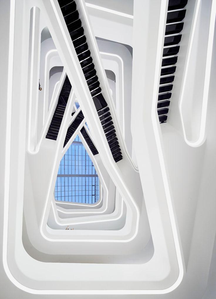 Architecture we like / Stairs / White / White / Black / at plllus