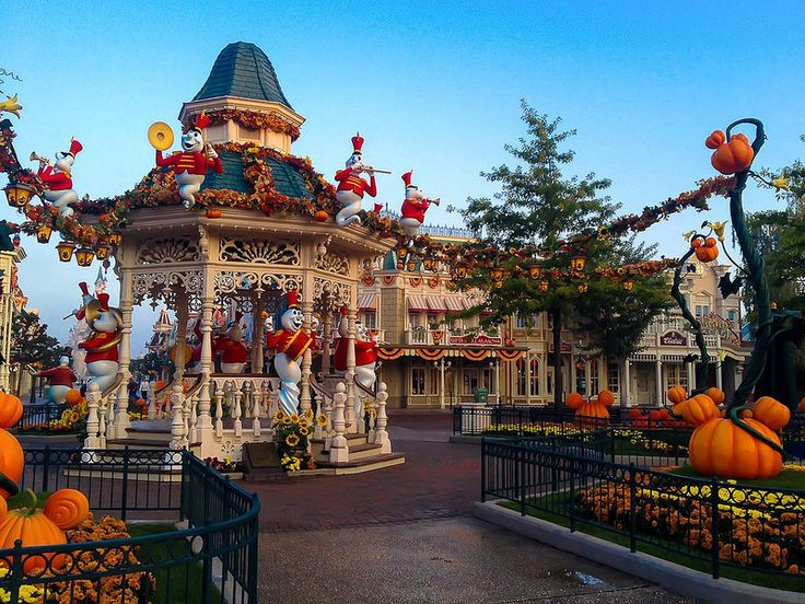 halloween town square 2017