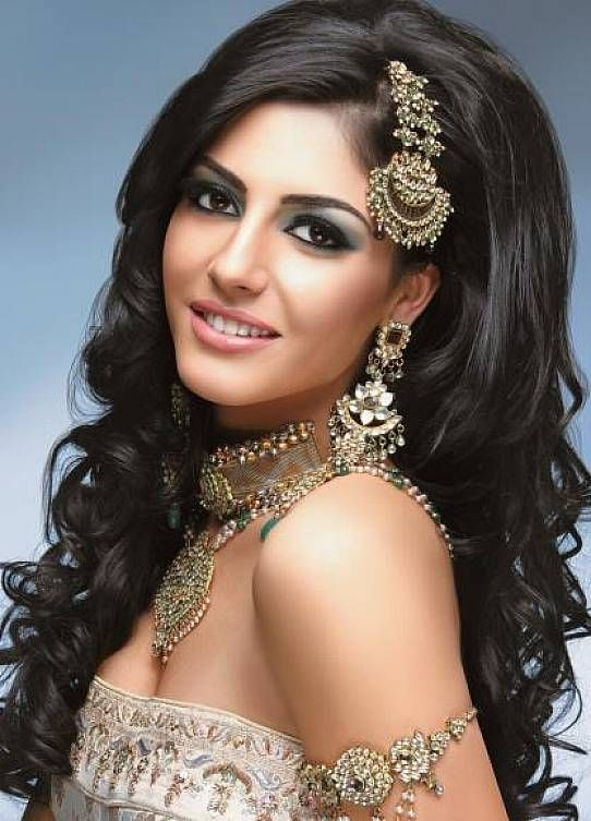 Wedding Hairstyles For Long Hair – Indian bridal hairstyles with side bangs for long hair | iDreamWeddingz.com
