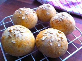 Sämpylöitä ilman hiivaa, leivinjauheella tehtynä