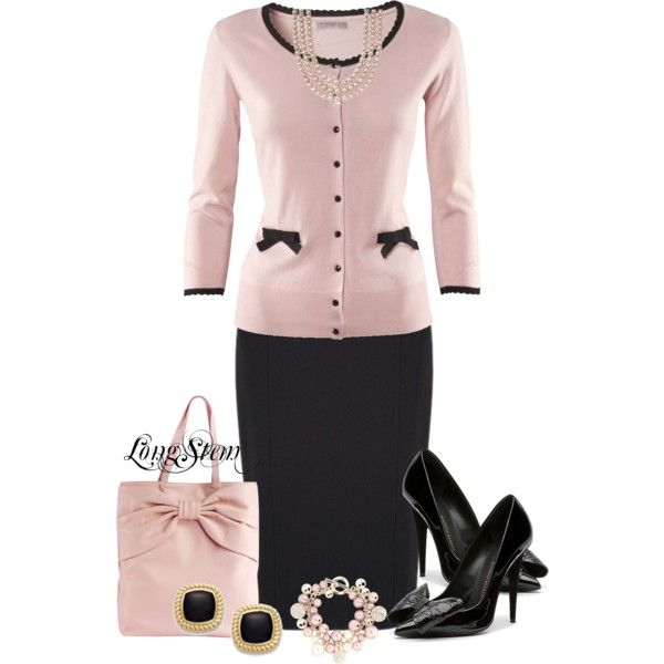 Love pink and black...minus the jewelry for my taste ♥