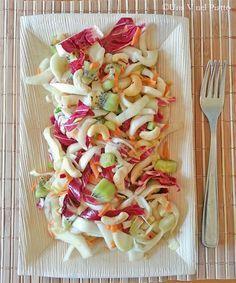 Insalata di indivia, radicchio, finocchio e kiwi - Una V nel piatto - Ricette Vegane e Mondo Vegan