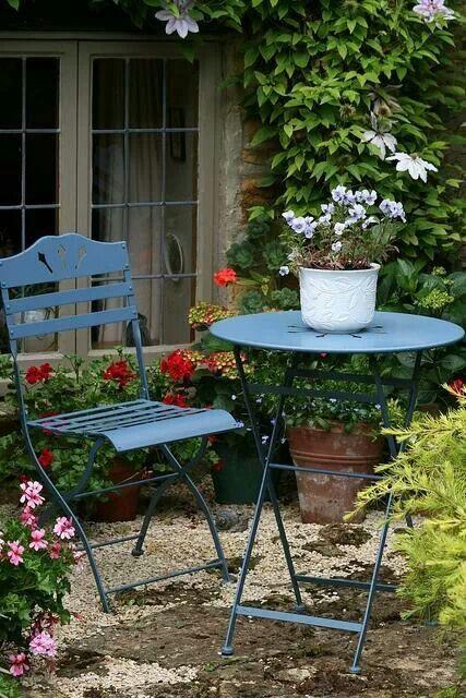 Blue garden furniture French bistro shared on Facebook
