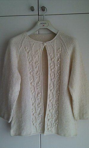 Ravelry liyenyk's Bobble-Vine Jacket - free knitting pattern x x x Tricoter les bandes à part en jersey envers, les coudre et les broder à l'aiguille et/ou au crochet...